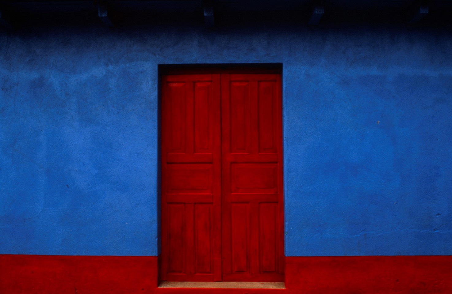 Jeffrey Becom ,    Azul y Rojo, San Juan Ostuncalco, Quezaltenango, Guatemala  ,  2007     Ilfochrome print ,  16 x 20 in.     Signed, dated, titled & numbered in edition of 25, © Jeffrey Becom     $1,500